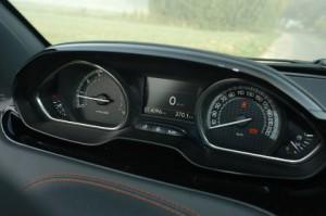 Peugeot 208 GTI, Instrumente, Test