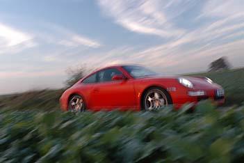 Porsche 911 S 355 PS