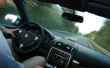Porsche Cayenne S Test V8