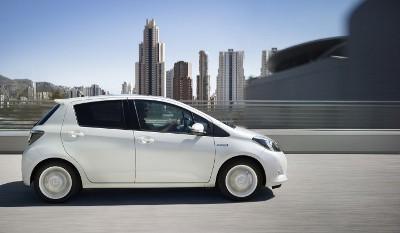 Toyota Yaris Hybrid Fahrbericht: Seitenansicht, von der Seite