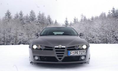 Alfa 159 SW Test: Frontpartie, Front, sechs Scheinwerfer, Grill, Kühlregrill, Scudetto,, Nummernschild, Nebelleuchten