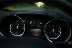 Alfa Giulietta QV: Cockpit, Instrumente, Tacho, Drehzahlmesser, Drehzahl