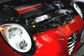 Alfa Romeo MiTo Diesel: Motor, engine, Dieselmotor, Scheinwerfer, Scudetto, Alfa Emblem, Grill