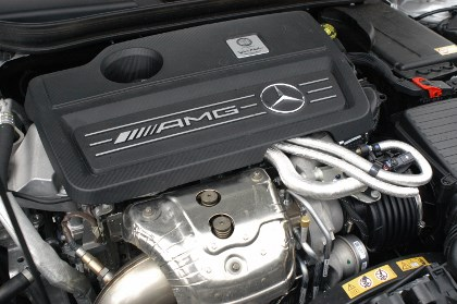 AMG A45: 360 PS Motor, engine
