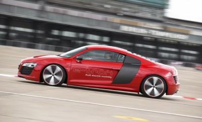 Audi R8 e-tron Fahrbericht: Seitenansicht, von der Seite