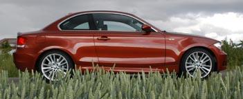 BMW 135i Coupe Testbericht: in der Seitenasicht, von der Seite
