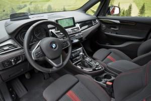 BMW 2er Active Tourer Fahrbericht: Cockpit, Sitze, Lenkrad