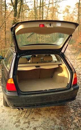 BMW 330d und 330 xda Kombi im Vergleich