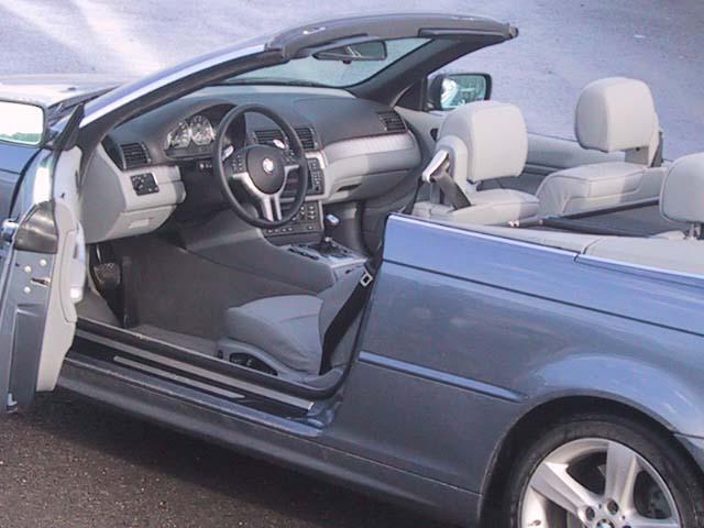 BMW 3er Cabriolet im TEstberichtCockpit, offen