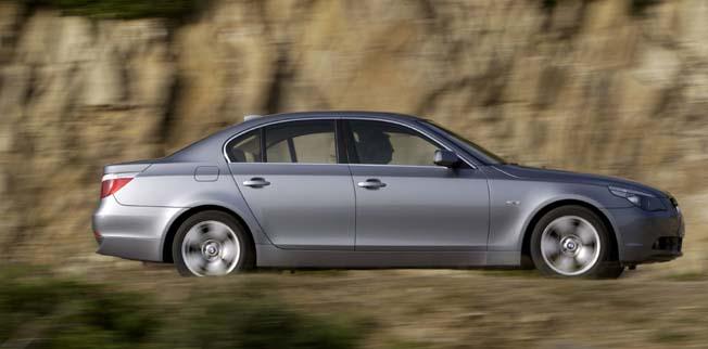 BMW neuer Fünfer Fahrbericht. 530d / 530i, Seitenansicht