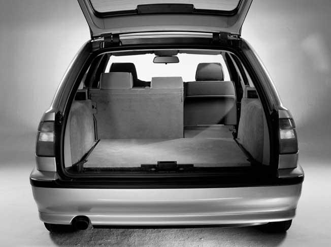 BMW 540i Kombi: Kofferraum, trunk, Laderaum, boot, laden, beladen