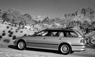 BMW 540i Touring Automatik Test: Seitenansicht, von der Seite