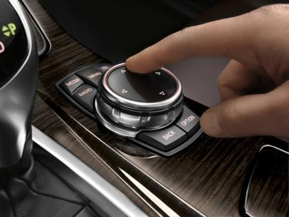 BMW 5er Facelift Fahrbericht: neuer iDrive Regler