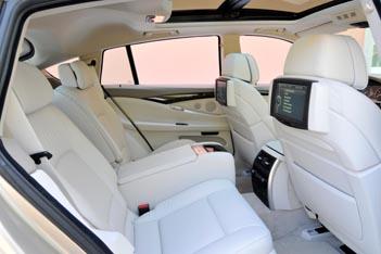 BMW 5er Gran Turismo: hinten sitzen, Platz für die Beine, Fußraum, Rücksitze, Rücksitzbank