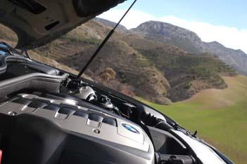 BMW 750i / 750Li Fahrbericht: Motor, engine, V8