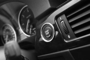 BMW 330xd Coupe im Fahrbericht: Cockpit, Start-Stop