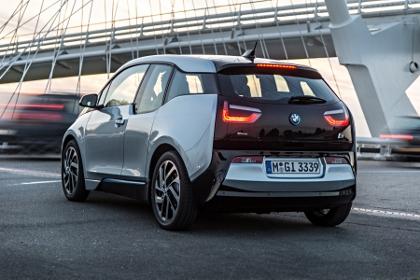BMW i3 Testbericht: Elektro Auto, Heck, von hinten, Seite