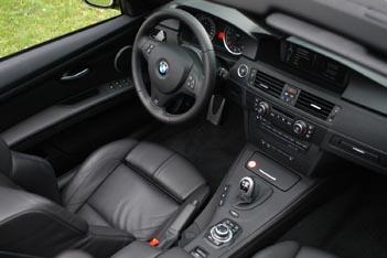 BMW M3 Cabrio: Innenraum, interior, schwarzer Ledersitze, M Lenkrad