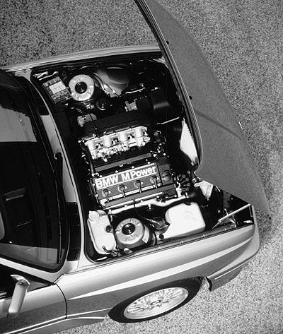 BMW M3 E30: erster M3, Motor, egine, 200 PS, hp, Vierzylinder Saugmotor