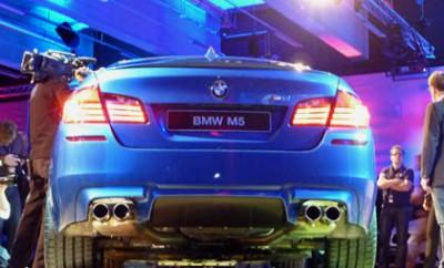 BMW M5 mit 560 PS: Auspuff, Heck, von hinten, Reifen