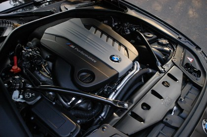 BMW M550d Test: Triturbo Dieselmotor, 381 PS, engine