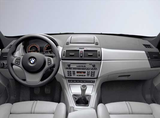 Erster BMW X3 Test: Cocpit, Armaturenbrett, Lenkrad, Ledersitze