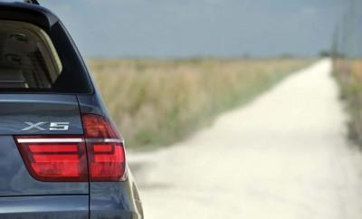 BMW X5 xDrive 40d Diesel Test, Heck, Rückleuchten, offroad