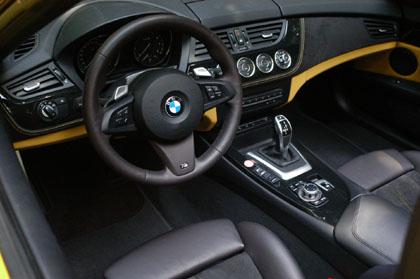 BMW Z4 35i: Cockpit, Lenkrad, Ledersitzer