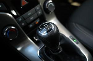 Chevrolet Cruze Kombi Diesel Test: Schaltung, Schaltgetriebe, Schalthebelo