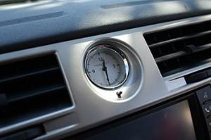 Chrysler Sebring Cabrio 2.7: Innenraum, interior, Uhr