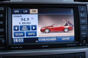Chrysler Sebring Cabrio 2.7 Test: Navigation, Monitor