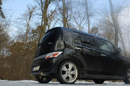 Daihatsu Materia Black Edition: Heck, Seite, Felgen