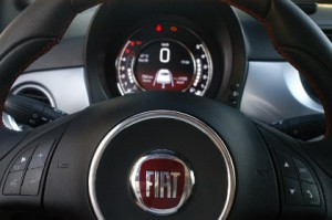 Neuer Fiat 500: Tacho, Instrumente, Lenkrad