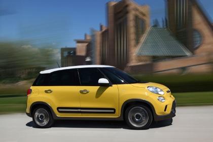 Fiat 500L Trekking Testbericht: Seitenansicht, von der Seite