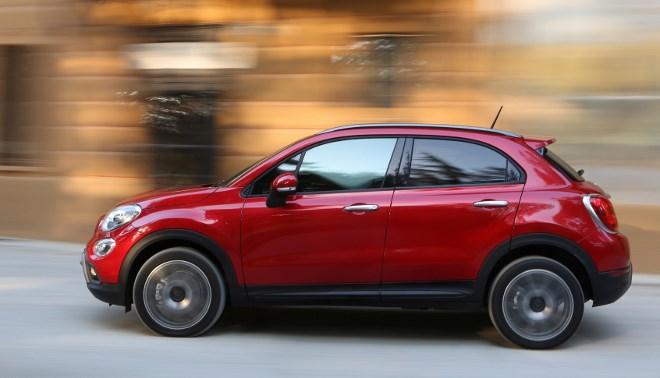 Fiat 500X 4x4: Seite, Seitenansicht