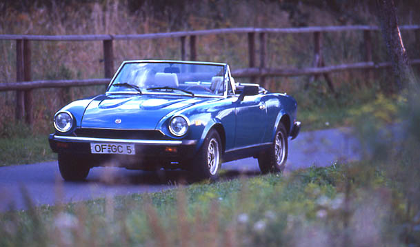 Fiat Spider 2000i Test: von vorne, Front, Seite, Scheinwerfer