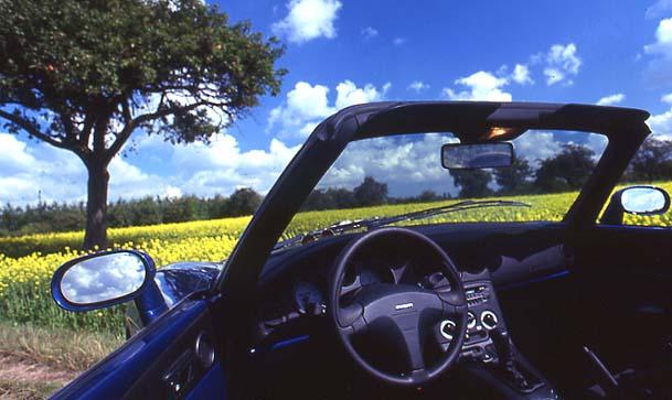 Fiat Spider 2000, Fiat Barchetta: Vergleich, Test, Cockpit, Innenraum