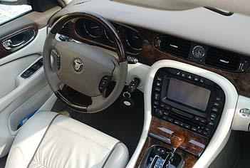 Jaguar XJ 2.7 Diesel: Cockpit, interior