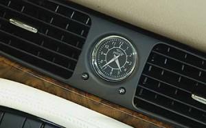 Jaguar XJ 2.7l Diesel Test: Uhr, clock