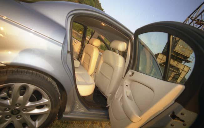 Jaguar X-Type 2.0: hinten sitzen