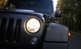 Jeep Wrangler Unlimited Test: Scheinwerfer, Front, Grill