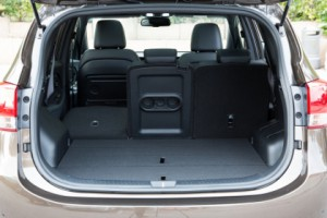 Kia Carens: Kofferraum, laden, trunk, boot