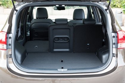 Kia Carens: Kofferraum, laden, trunk, boot