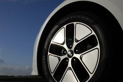 Kia Optima Hybrid: Felgen, Aerodynamik