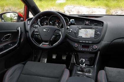 Kia Pro Ceed GT: Innenraum, Cockpit, Lenkrad