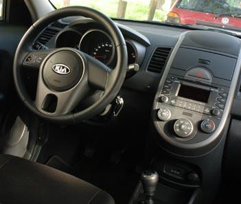Kia Soul Diesel CRDi Testbericht: Cockpit, Lenkrad, Armaturen