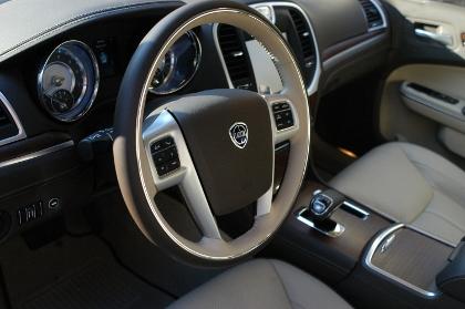 Lancia Thema, Cockpit, Sechszylinder