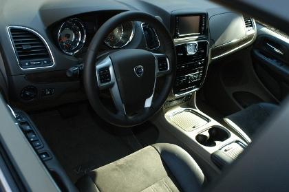 Lancia Voyager, Cockpit, Armaturenbrett
