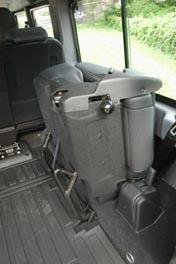 Land Rover Defender, Sitze, Klappsitz, Test