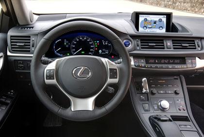 Lexus CT 200h: Cockpit